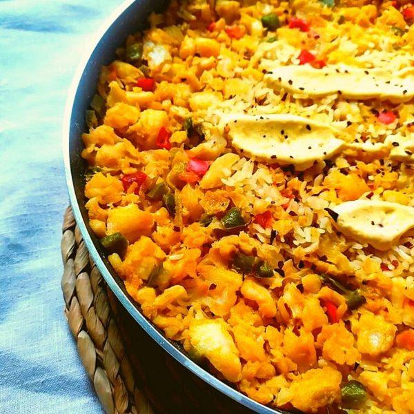 arroz con bacalao y escamas de pimentón